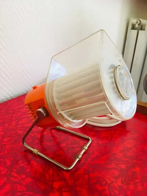 Ventilateur «Kalorik », petit ventilateur de table, type 5830 by AKA ventilator, sans pales, deux vitesses possibles, orange vintage, dim: 20.